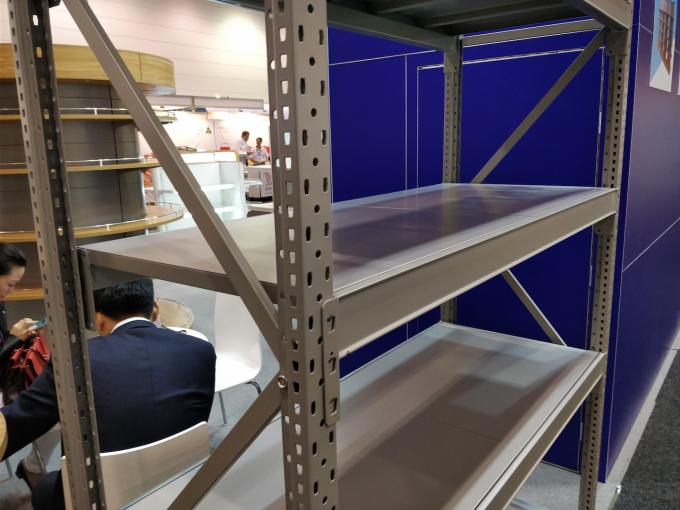 Multi Size Warehouse Storage Shelves With High Strength And Rigidity